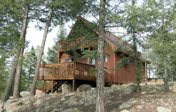 Twin Rocks Cabin Exterior